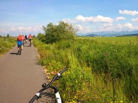 Trasa główna, czyli rowerem po nasypie dawnej linii kolejowej po stronie słowackiej
