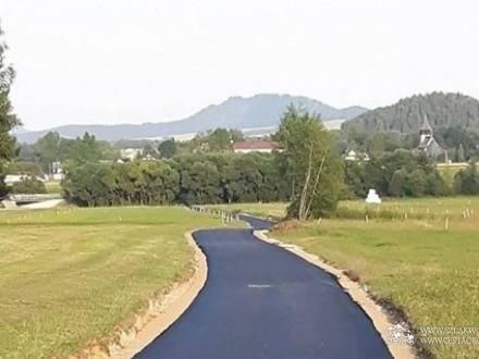 Pierwszy asfalt na odcinku Nowy Targ - Gronków w Gminie Nowy Targ